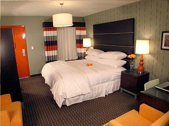 3 Palms Hotel